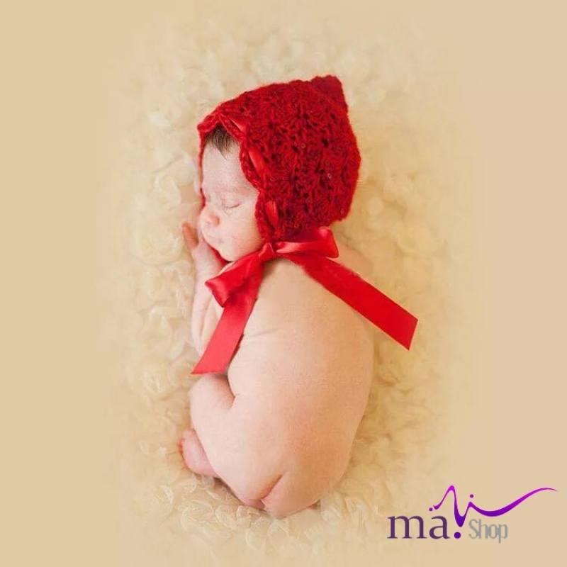 Nón len đỏ đạo cụ chụp hình cho bé