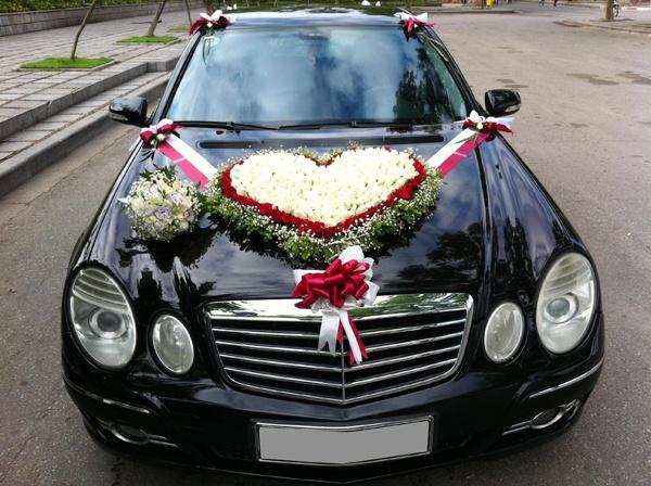 Giá mua thuê cách trang trí hoa xe cưới giả xe cô dâu ở đâu rẻ tphcm