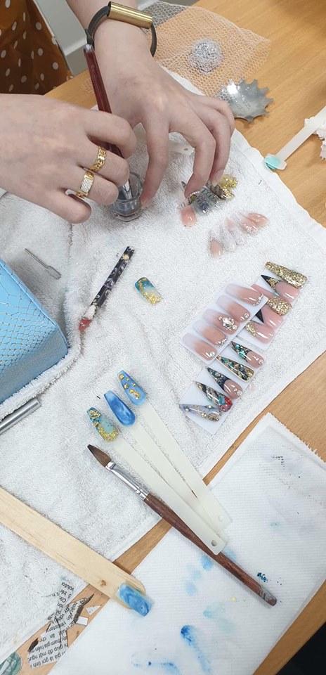 Khóa học nail cơ bản đắp móng Gel các loại