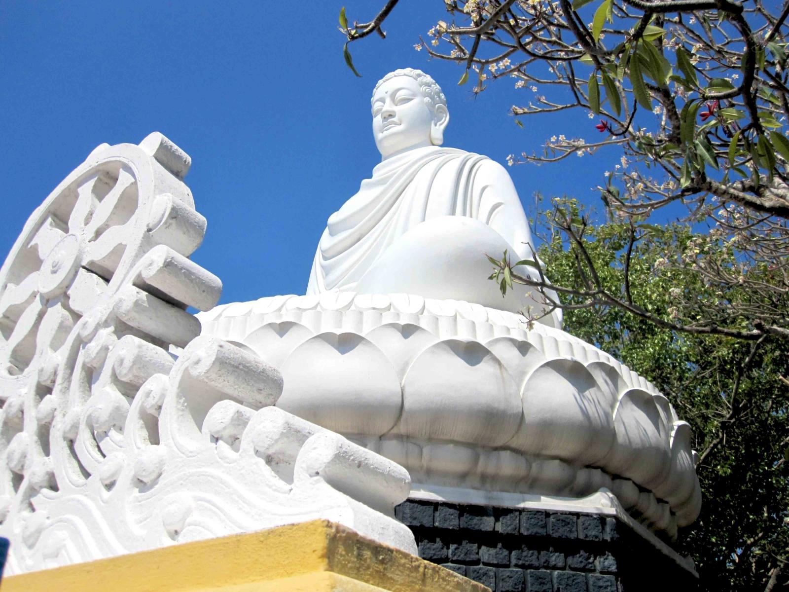 Cầu an đầu năm với những ngôi chùa nổi tiếng tại Vũng Tàu